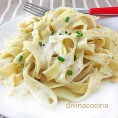 Estos fetuccini Alfredo son un clásico entre los mejores platos de pasta. La elaboración es sencilla y con la salsa Alfredo puedes acompañar cualquier pasta