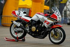 Yamaha Cafe Racer, Yamaha Bikes, Sportbikes, Racing Motorcycles, Honda Cb, Classic Bikes, Bike Design, Ducati, Café Racers
