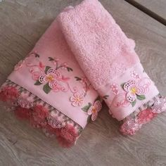 13442391_1063210460439600_3470345958379407642_n Bathroom Rug Sets, Floral Tie, Decoration, Needlework, Diy And Crafts, Towel, Baby Shower, Embroidery, Knitting