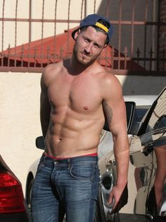 Val Chmerkovskiy Goes Shirtless After 'DWTS' Rehearsal 07/09/14
