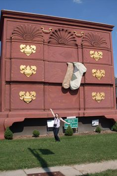 World's Largest Chest of Drawers High Point, North Carolina. High Point has taken the lead in the big furniture battle with not one, but two giant chests of drawers.
