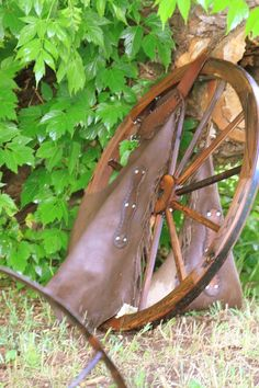 I love wagon wheels! Dream Home Design, House Design, Western Bedroom Decor, Star Decorations, Western Decorations, Shanty Chic, Southwestern Home Decor, Ranch Decor, Western Homes