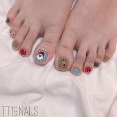 Fall Toe Nails, Simple Toe Nails, Winter Nails, Holiday Nail Art, Christmas Nail Art, Feet Nails, Creative Nails, Nail Arts, Nail Inspo