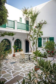 The Best of the Cyclades: Mykonos, Paros & Ios Greece House, Spanish Style Homes, Greek Islands, My Dream Home, Future House, Interior And Exterior, Architecture Design, Beautiful Places, Beautiful Pictures
