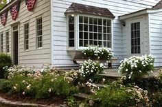 Connecticut Country House   Mid-summer garden tour