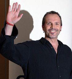 Miguel Bosé. Noticias, fotos y biografía de Miguel Bosé