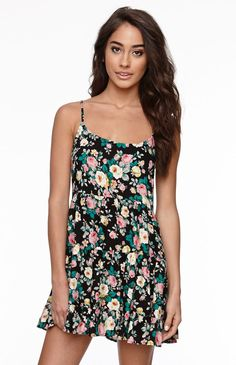 There are so many pretty floral dresses around this time of year.  Polyester Tiered Babydoll Floral Print  Dress