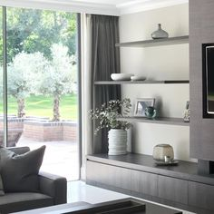 Some styling from the Wentworth project that we installed today #interiorstyling #siteprogress #interiors #shelves #livingroom #contemporary #luxuryinteriors #sophiepatersoninteriors
