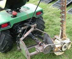 home built garden tractor Yard Tractors, Small Tractors, Compact Tractors, Quad, 3 Point Hitch Attachments, Garden Tractor Pulling, Garden Tractor Attachments, Tractor Accessories, Tractor Implements
