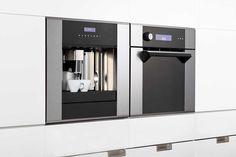 Koken met behulp van stoom is gezonder, smaakvoller en ook nog eens gemakkelijker dan andere manieren van koken. Het is dus nogal logisch dat steeds meer huishoudens een stoomoven in de keuken hebben. Ook in Nederland ontdekken steeds meer mensen de voordelen van de stoomoven. Op Zwitserland na,... French Door Refrigerator, French Doors, Voordelen Van, Kitchen Appliances, Diy Kitchen Appliances, Home Appliances, Kitchen Gadgets