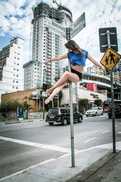 Pole Dance Moves, Pole Dancing Fitness, Dance Poses, Pole Fitness, Dance Fitness, Zumba Quotes, Dance World, Aerial Hoop, Figure Poses