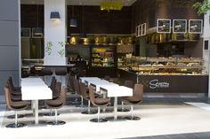 Bien Agencer un Fast-Food Restaurants, Centre Commercial, Table Haute, Conference Room, Furniture, Design, Food, Home Decor, Fast Food Restaurant