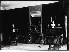 Malmaison : chambre de Napoléon 1er quand il était 1er consul : [photographie de presse] / Agence Meurisse 1928 Consul, La Malmaison, Ark, Empire, Concert, History, Bedroom, Photography, Concerts