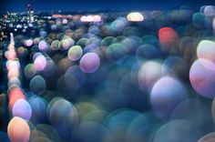 Japanese photographer Takashi Kitajima who has created these unusual images of his home city. By applying a broken effect with light and blurring the foreground of each shot, we enjoy a different perspective of Tokyo.