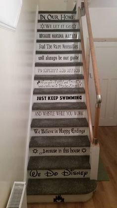 Disney Stairs The Effective Pictures We Offer You About Disney Home Decor diy A quality picture can Casa Disney, Disney Art, Disney House, Disney Ideas, Disney Crafts, My New Room, My Room, Disney Stairs, Deco Harry Potter