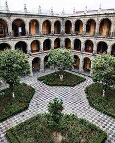 Antiguo Colegio de San Ildefonso, Mexico City, Mexico.  De mis lugares favoritos