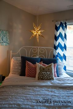 Fun Tween Bedroom for a girl Great colors (Navy, Coral, Gold, and Teal)