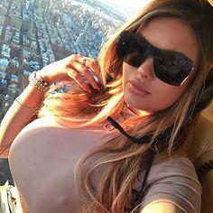 Russian Kim Kardashian, Mirrored Sunglasses, Sunglasses Women, Russian Models, How To Pose, New People, Gorgeous Women, Sexy Women, Lingerie