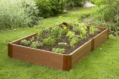 Una cama elevada es un objeto exclusivo de jardinería y horticultura, es evidente, pero reune tantas ventajas que es una magnífica inversión. Tampoco te costará tanto, puedes hacerlas tú mismo con unas tablas de madera que no es indispensable que sean nuevas.