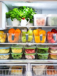 Fridge organisation, lets get into it! All the container details on what we used to store our fresh produce as well as how we meal plan for the week ahead. Craft Closet Organization, Garage Organisation, Kitchen Organization Pantry, Fridge Organisers, Fridge Storage, Refrigerator Organization, Healthy Fridge, Kitchen Pantry Design, Kitchen Sink
