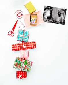 Advent calendar with little presents Advent Calendar Diy, Advent Calenders, Countdown Calendar, Kids Calendar, Calendar Ideas, Christmas Craft Projects, Holiday Crafts, Christmas Activites, Holiday Activities
