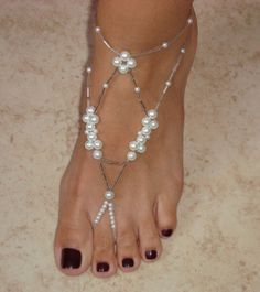 Barefoot Sandals - Princess Collection via Etsy bello para punta cana… Ankle Jewelry, Ankle Bracelets, Body Jewelry, Beaded Sandals, Beaded Anklets, Beaded Jewelry, Crochet Barefoot Sandals, Slave Bracelet, Diy Schmuck