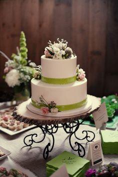 Style Me Pretty Wedding Cake