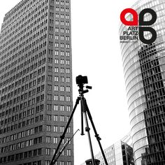 Den ersten Kaffee intus, und das bei strahlender Sonne! Eigentlich ein guter Start in die neue Woche - findest Du nicht? Dann schaffen wir eben anders Abhilfe: ab sofort sucht #ARTPLATZBERLIN eine(n) freie(n) #Fotografen / In für den Standort #Berlin. Euer Interesse ist geweckt? Dann her mit Eurer Bewerbung via info@artplatzberlin.de oder unserem #Kontaktformular auf www.artplatzberlin.de - wir freuen uns auf Euch!
