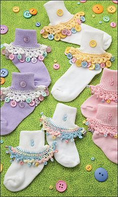 ButtonArtMuseum.com - Ravelry: Cute-as-a-Button Crochet Sock Trim pattern by Peggy Longshore