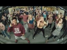 Big Bang Theory flash mob. Bazinga!