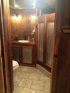 Barnwood/corrugated metal saloon shower doors: Love the saloon shower doors and mix of wood and metal. Barn Bathroom, Bathroom Doors, Rustic Bathrooms, Bathroom Ideas, Bathroom Shop, Design Bathroom, Basement Bathroom, Aluminium Doors Prices, Aluminium Door Design