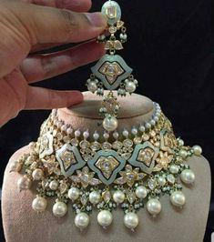 10 Super Genius Tips: Modern Wedding Jewelry antique jewelry emerald.Antique Jewelry Emerald bridal jewelry hair down. Indian Jewelry Sets, Indian Wedding Jewelry, Bridal Jewelry, India Jewelry, Bridesmaid Jewelry, Indian Bridal, Bridal Earrings, Swarovski Jewelry, Beaded Jewelry
