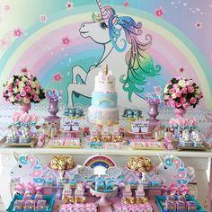 Fofura para o tema Unicórnio by @dayane_vitor ! #loucaporfestas #party #decor #unicornio #festaunicornio #unicornios