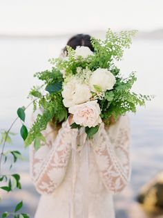 Lakeside Wedding Shoot in New Zealand Planning by Fly Away Bride, Photography by We Are Wildwood: http://flyawaybride.com/lakeside-wedding-shoot-new-zealand-shoot-part-1/