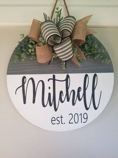 Farmhouse personalized door hanger, round door hanger, last name sign, personalized wedding gif, family name door hanger by CountryBumpkinDoors on Etsy Welcome Signs Front Door, Front Door Decor, Wooden Door Signs, Wooden Doors, Burlap Door Hangers, Christmas Door Hangers, Fall Door Hangers, Wood Wreath, Wood Circles