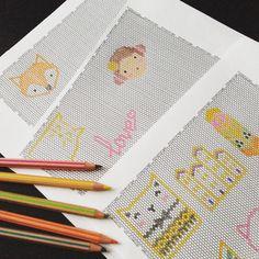 MamZelle Lulu sur Instagram : Utiliser la bonne vieille méthode du papier et des crayons de couleurs pour me faire un petit book des tissages de @rose_moustache et de mes essais ! #tissage #brickstitch #miyuki #jenfiledesperlesetjassume