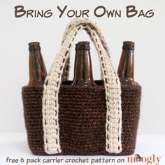 BYOB: Bring Your Own Bag! Crochet one up and bring your own brews to your next get together - FREE crochet pattern on Mooglyblog.com!