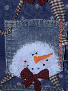 Snowman Jean Pockets I seem to be seeing snowmen everywhere. Since I'm nearing the end of my craft show crafting for this year I've been digging through boxes and drawers for quick insp…