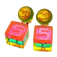 Pre-owned Chanel CC Logo Gold Tone Metal No.5 Pink Cube Dangle... ($999) ❤ liked on Polyvore featuring jewelry, earrings, chanel jewelry, preowned jewelry, chanel jewellery, logo jewelry and pink jewelry