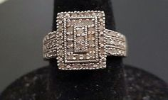 Preowned .50 CTW White Diamond Accent Ring Size 7
