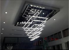 0d274e8bcd934f2110aae1bc86fbcfb6  crystal chandeliers luxe 10 Bon Marché Lustre Grand Diametre Phe2