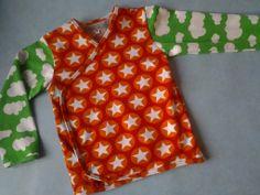 Overslag vestje van Hamburger Liebe Maxi Stars en groene wolken jersey van JNY.