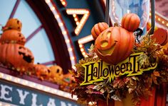 Boo to you! It's officially Halloween time here in Walt Disney World and Disneyland