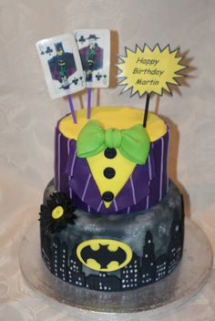 The Dark Cake Rises- Batman and Joker cake in the style of Arkham