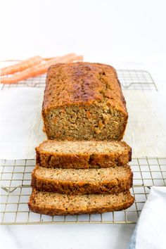 Love carrot cake? Love banana bread? This cross between a delicious carrot cake and your favorite moist slice of classic banana bread is going to become a fast favorite. Click through for the recipe. | glitterinc.com | @glitterinc - Carrot Banana Bread by popular North Carolina foodie blog Glitter, Inc. Banana Bread Muffins, Banana Bread Recipes, Muffin Recipes, Carrot Cake Loaf, Carrot Spice Cake, Fast Easy Meals, Cheap Meals, Sweet Desserts, Dessert Recipes