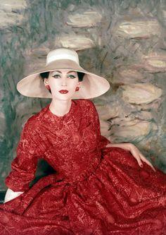 Dovima in Dior, 1957
