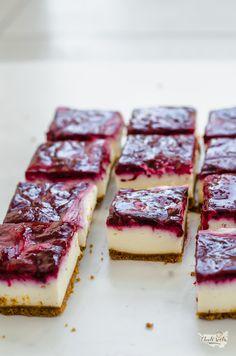 Myslíme si, že by sa vám mohli páčiť tieto piny - sbel Small Desserts, Low Carb Desserts, Sweet Recipes, Healthy Recipes, Keto, Cookie Bars, No Bake Cake, Sweet Tooth, Cheesecake