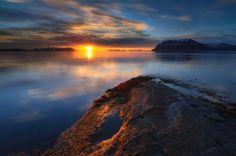 Fenômeno do sol da meia noite na Noruega