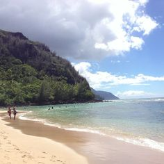 Ke'e Beach in North Shore Kuaui, HI