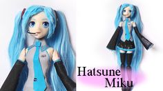 Today's polymer clay tutorial is another doll - this time inspired by the manga/anime/vocaloid character Hatsune Miku. I chose to make a cute, simp. Polymer Clay Dolls, Polymer Clay Miniatures, Polymer Clay Charms, Hatsune Miku, Diy Ooak Doll, Final Fantasy Cosplay, Vocaloid Characters, Clay Videos, Biscuit